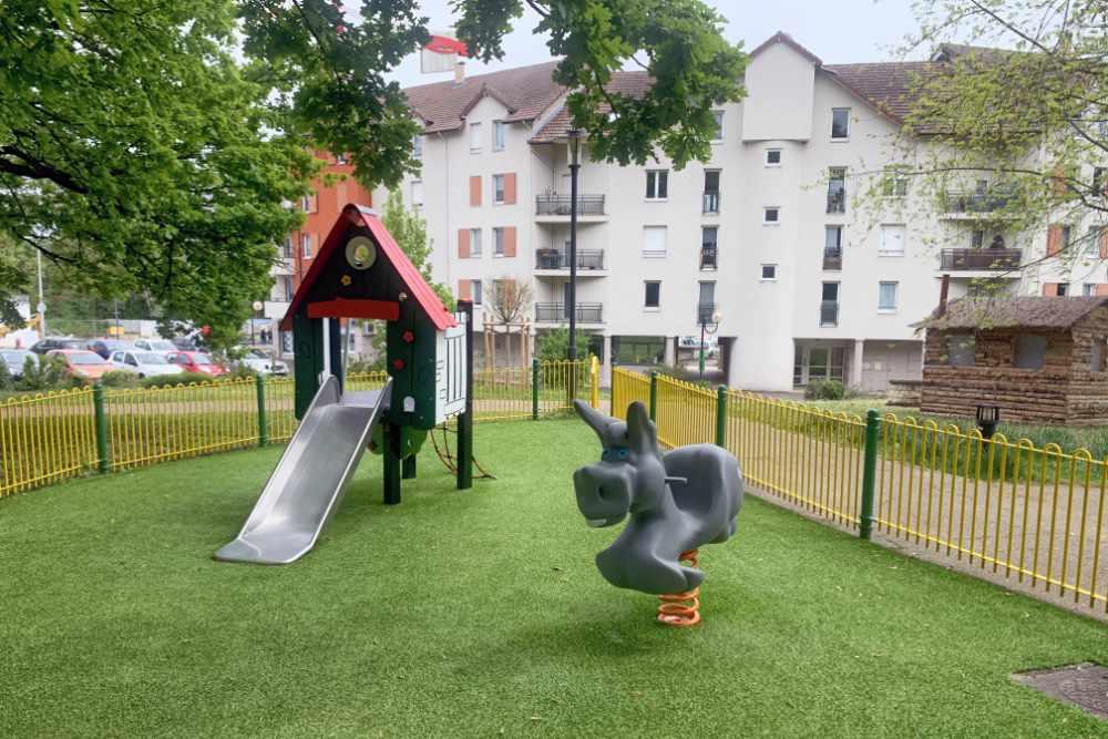 Aire de jeux Saint-Genis-Pouilly